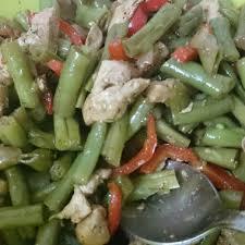 Теплый салат из стручковой фасоли «Вертолет» и перцев