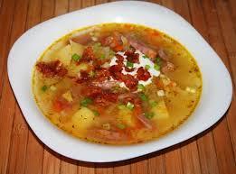 Острый суп с охотничьими колбасками по-испански