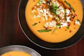 Крем-суп из цветной капусты с карри