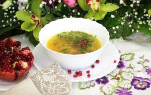 Горохово-чечевичный суп с гранатом
