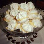 Пирожные из безе с кремом