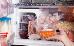 Что нужно знать о хранении продуктов в морозильной камере?