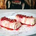 Клубничный десерт в лаваше
