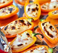 Перцы, фаршированные творогом с сыром
