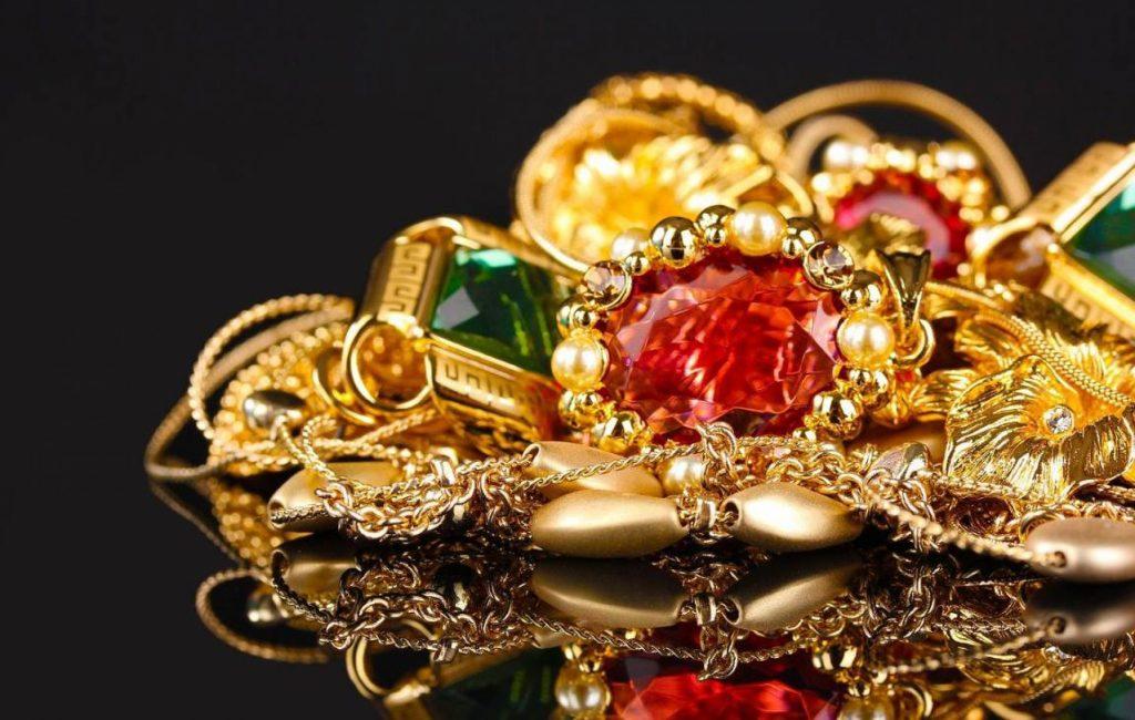 Изысканные золотые украшения от магазина TopGold