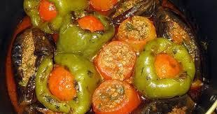 Долма из фаршированных баклажанов, помидоров и перцев