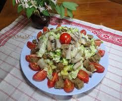 Салат из сельди и помидор