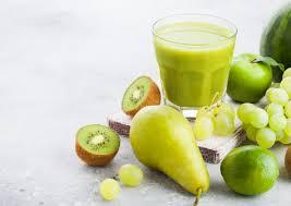 Смузи с виноградом, яблоком и грушей