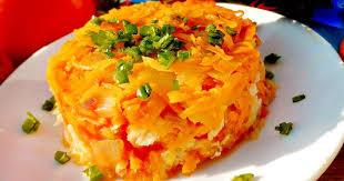 Салат из белой рыбы с кетчупом