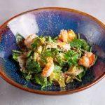 Салат с креветками, огурцом и с бобами эдамаме
