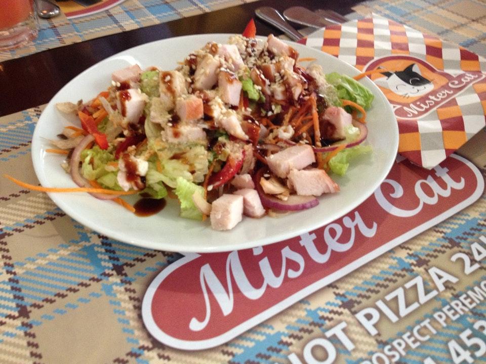 Вкусные и разнообразные суши и пицца в «Mister Cat»
