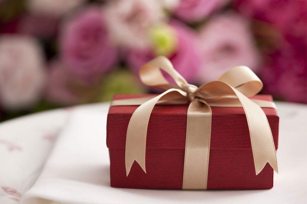 Как выбрать подарок на 40 лет