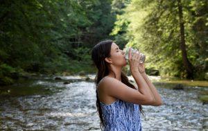 Как правильно пить воду, чтобы избавиться от лишних килограммов