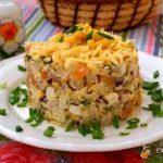 Салат с копченым кальмаром