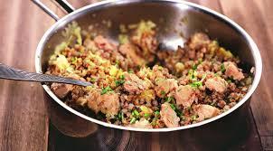 Гречневая каша с лососем и оливковым маслом
