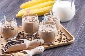 Кофейный смузи с творогом и бананом