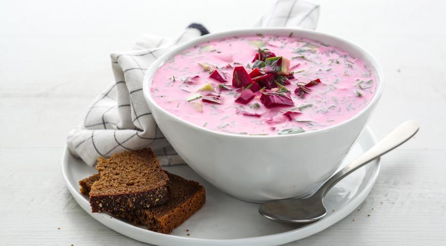 Холодный суп из простокваши и свеклы