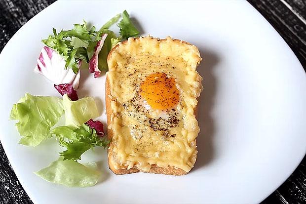 Бутерброд с яйцом и сыром