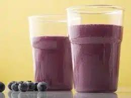 Чернично-йогуртовый смузи (коктейль)