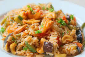 Рис с овощами, шампиньонами и карри